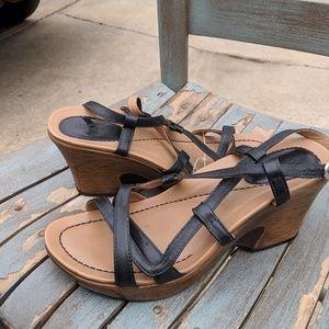 Women's Dansko Black Strappy Leather Sandals 8/38